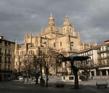Moody Segovia