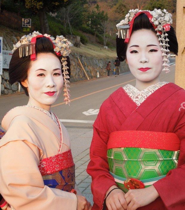 Mother and Daughter Tribute Maiko