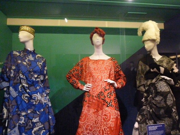 THE-ENGLISH-ECCENTRICS-VITRINE-AT-CLUB-TO-CATWALK-620x465