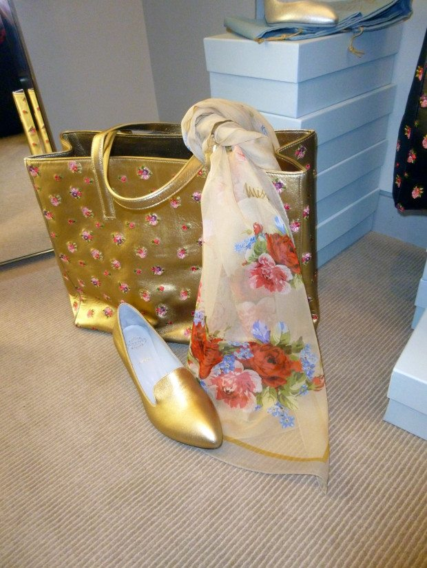 RAYNE SCARF with GOLD BAG and SHOE