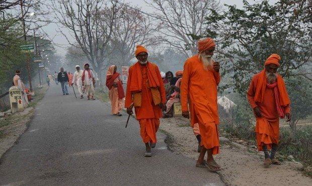 Haridwar - Sadhus walking